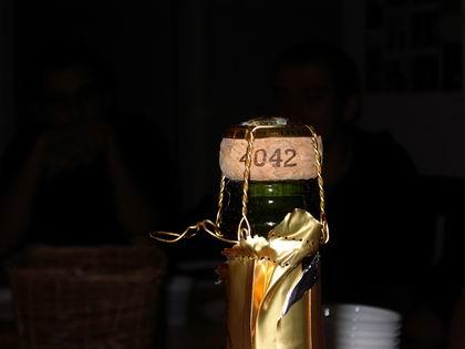 Champagne dont le bouchon indique 4042